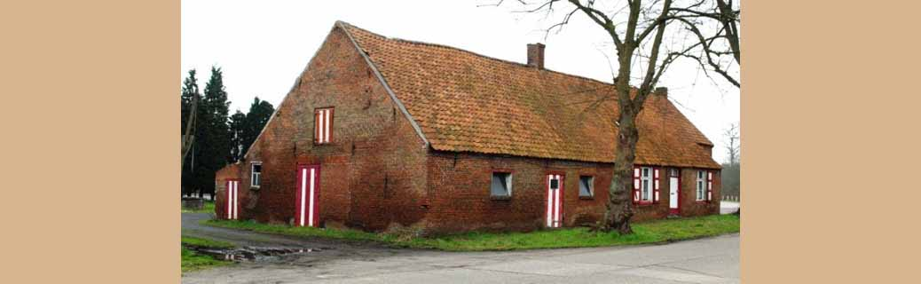 """Café """"De Breem"""", opgetrokken in het gelijknamige Vosselaars gehucht, was in meerdere opzichten een bijzondere herberg."""